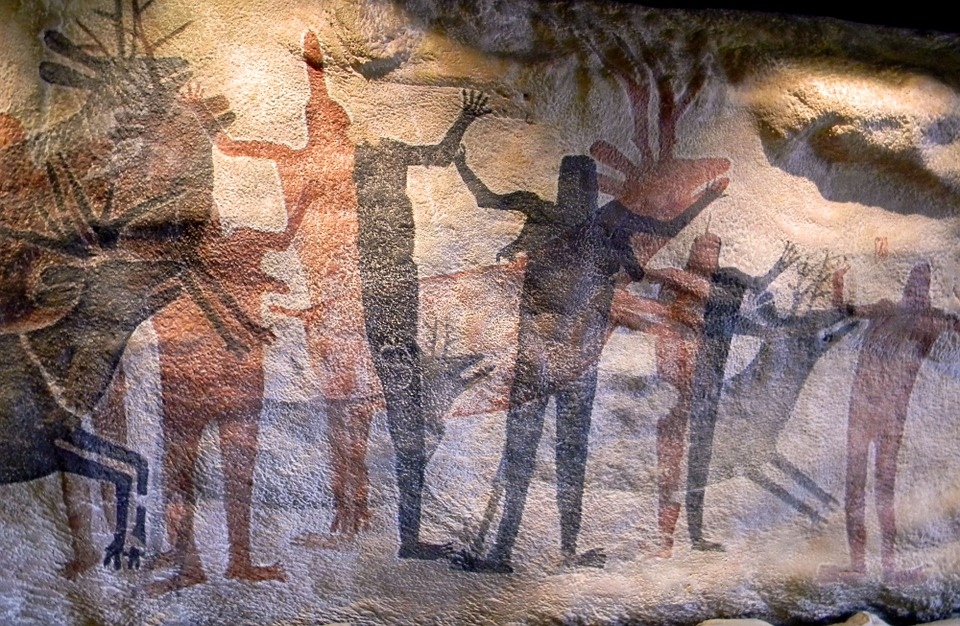 Early Man Cave Art : History of storage from cave paintings to electrons