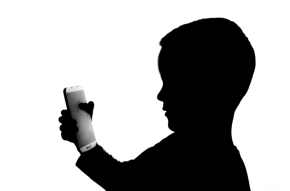 Protect your Kid from Smartphone Radiation