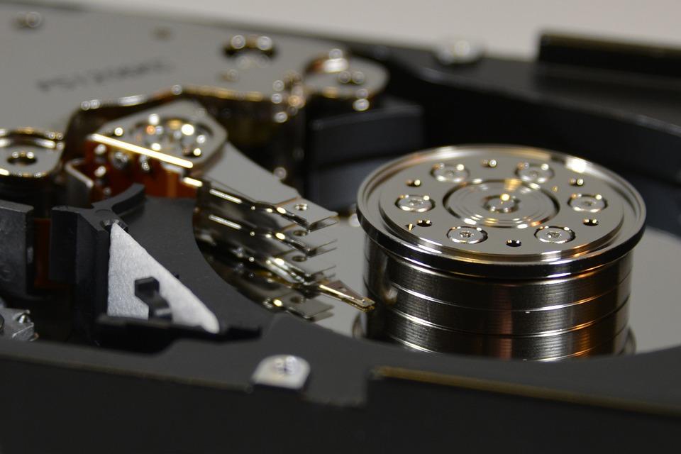 world's smallest hard disk